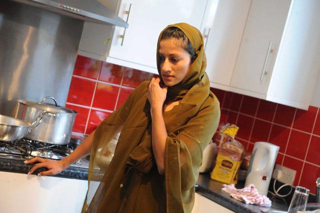 Hema Mangoo as Simi.